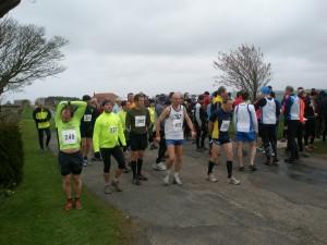 Runners assembling at the start